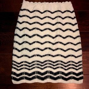 Kendall & Kylie crocheted knit skirt size S